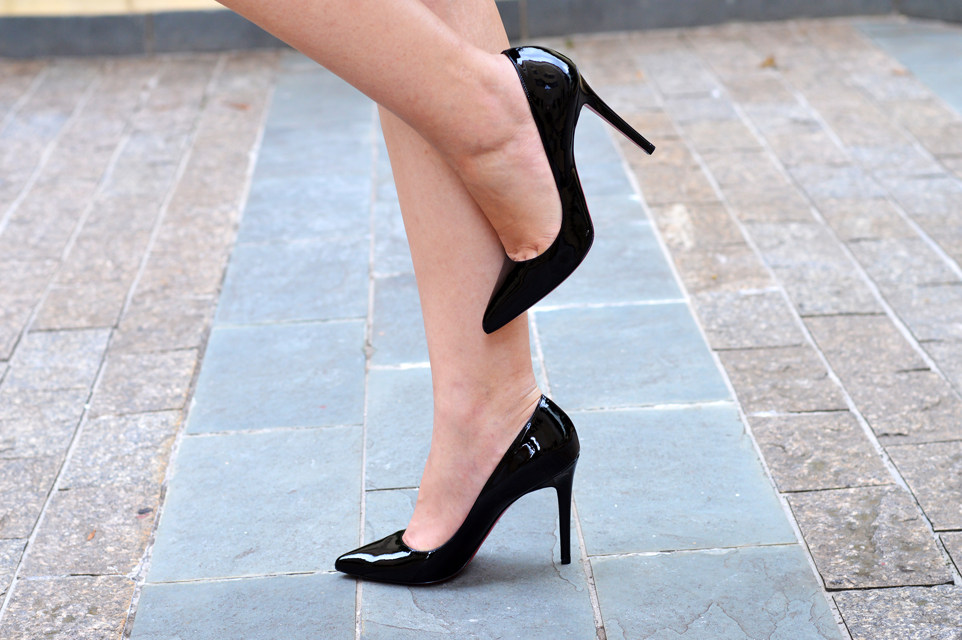black-louboutin-pigalle